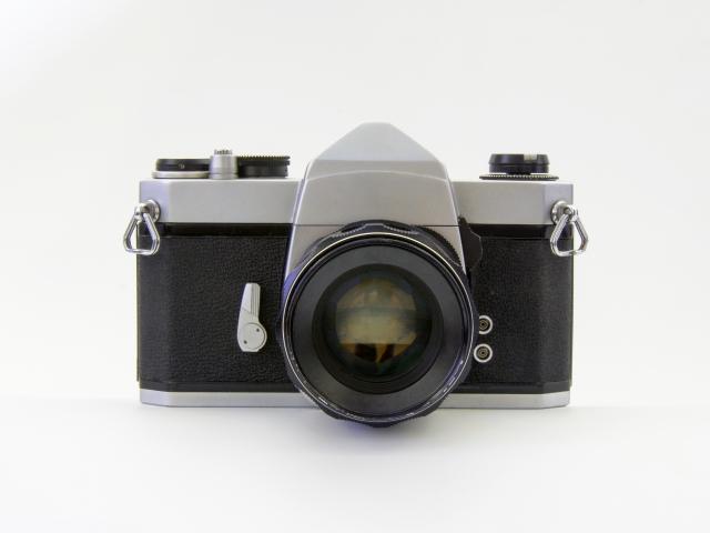 昔のフィルムカメラ(一眼レフ)の意外なメリット